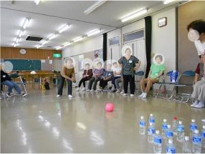 参加者企画にてペットボトルボーリング